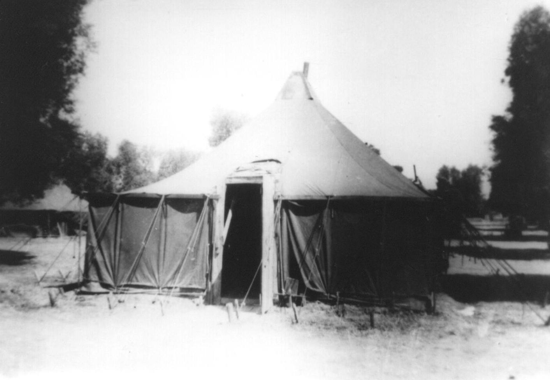 9-CrewTent-Grottaglie-1944